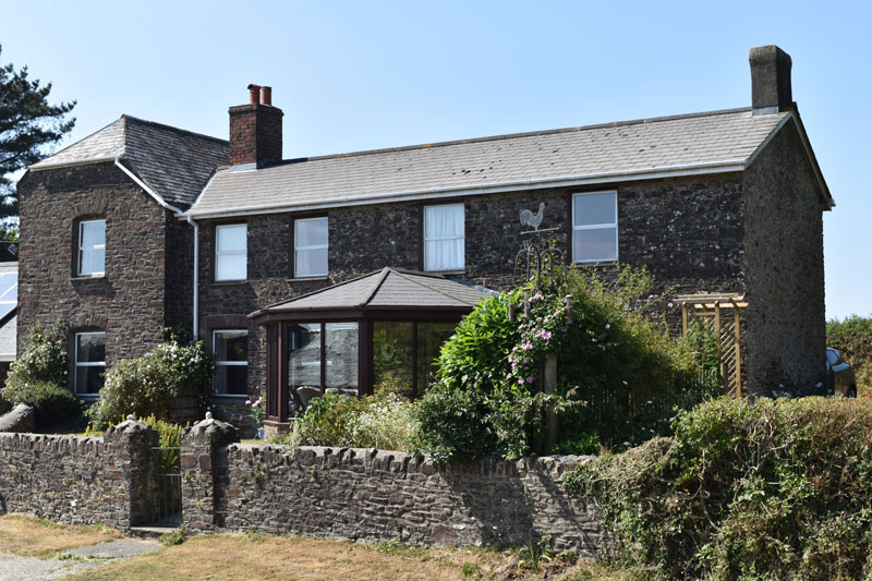 Farmhouse B&B near Bude